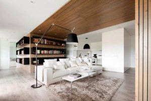Combinations Of White And Wood Shades In Interior Design
