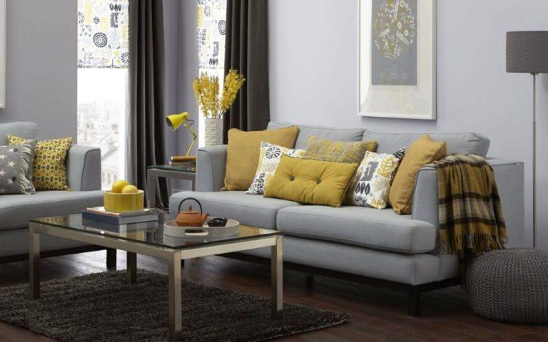 Décoration d'intérieure avec des coussins décoratifs de canapé
