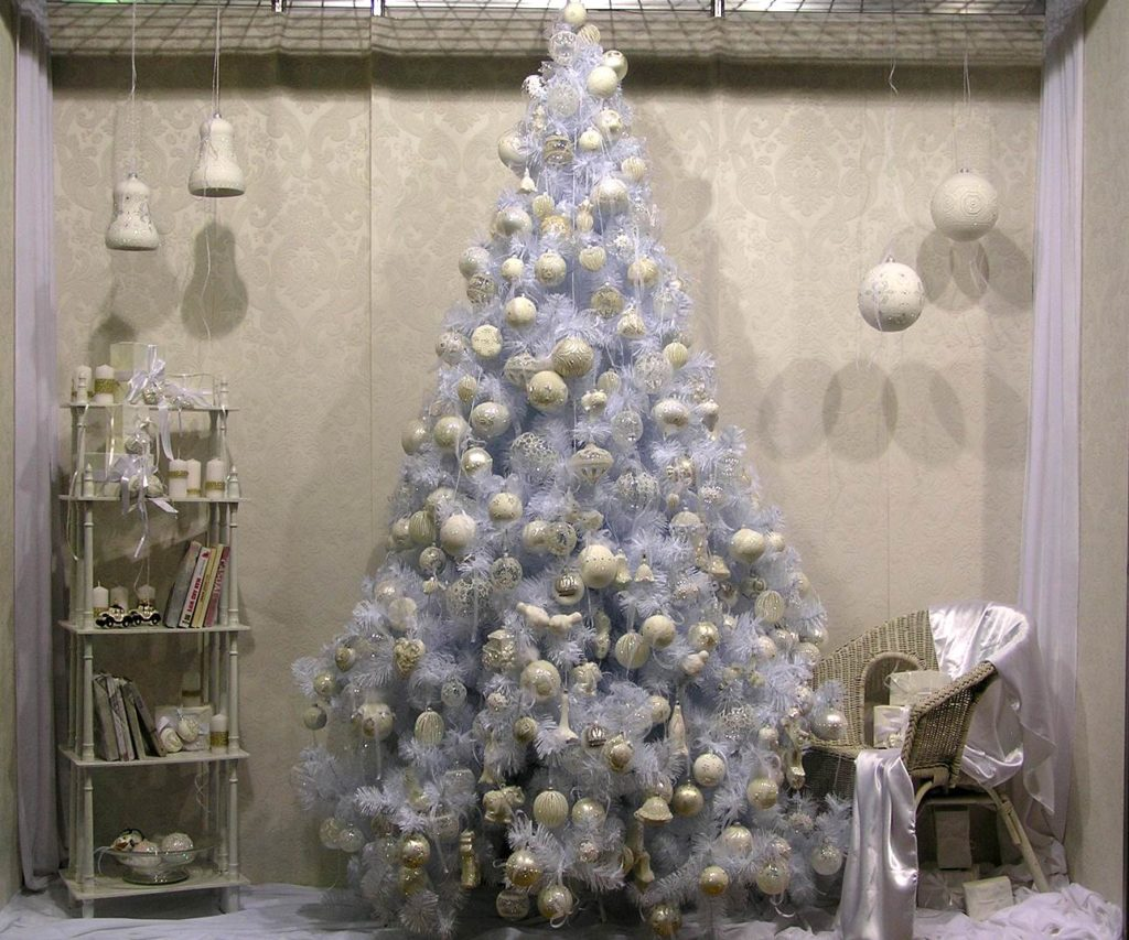 Foto Alberi Di Natale Bianchi come decorare un albero di natale bianco in modo originale