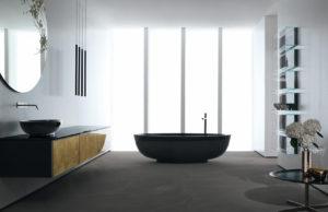 Conception de salle de bain blanche et noire