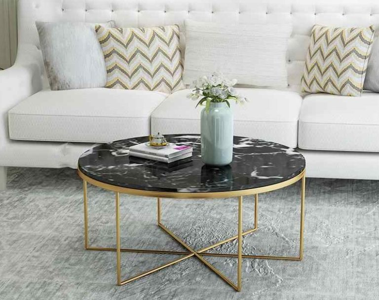 Coffee table in the interior: elegant and practical accent