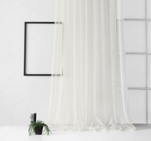 White curtains in the interior: style and design