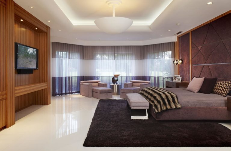 Tan bedroom ideas: combinations and examples with bright accents