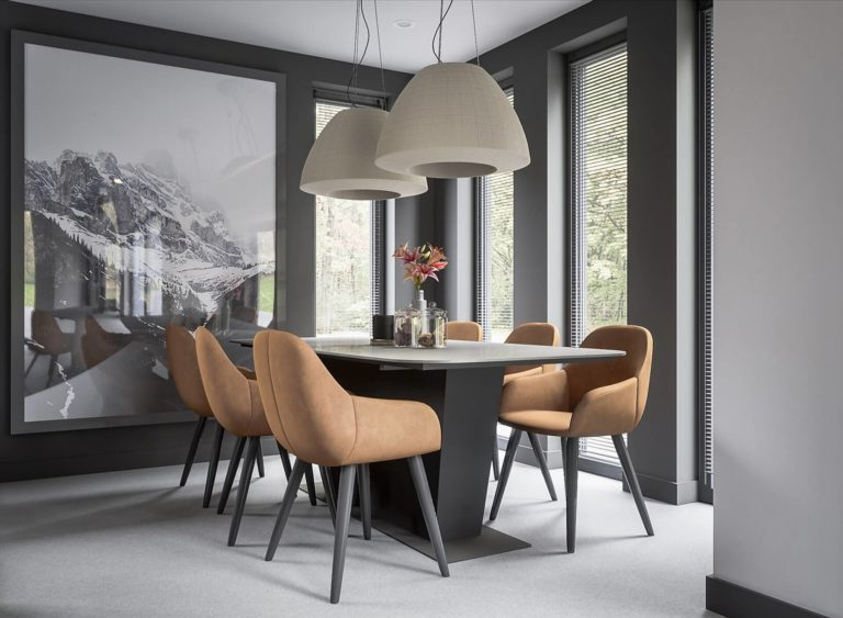 How to pick the perfect dining table for your home