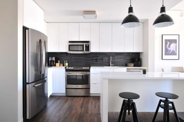 Kitchen flooring trends 2021-2022: modern kitchen flooring ideas