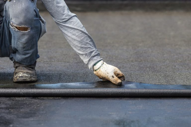 How to repair a flat roof?