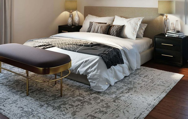 Rug size for queen bed: selection tips and placement ideas