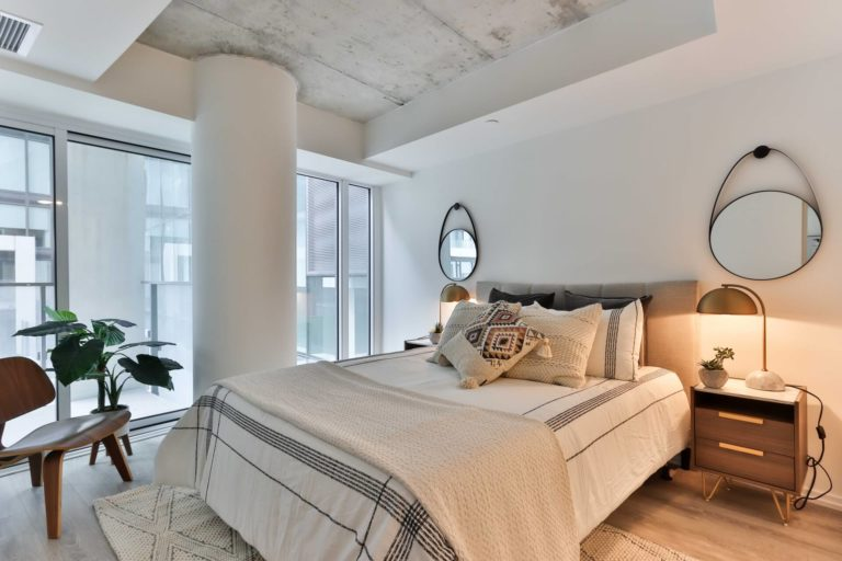 Bedroom mirror: shape, size, placement, design ideas, and feng-shui philosophy