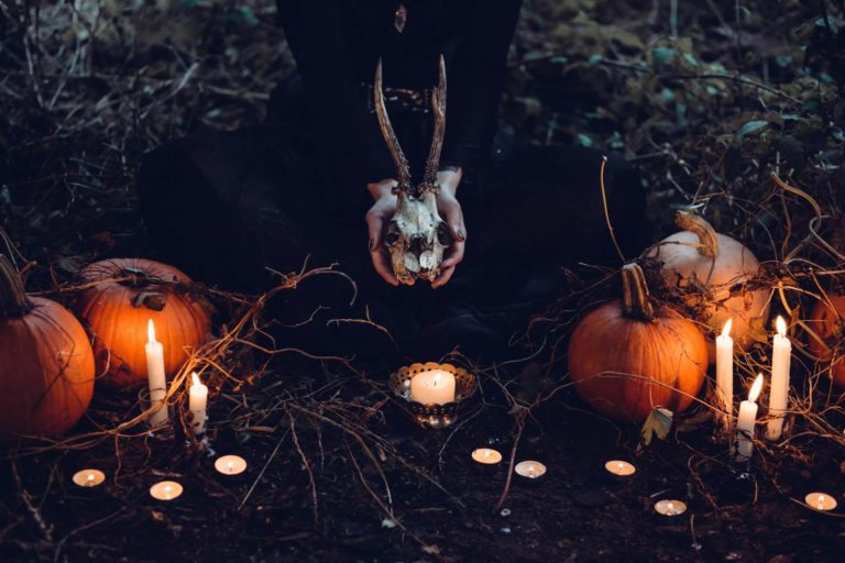 DIY Halloween decorations 2021: latest trends and ideas with 40+ photos to get inspired