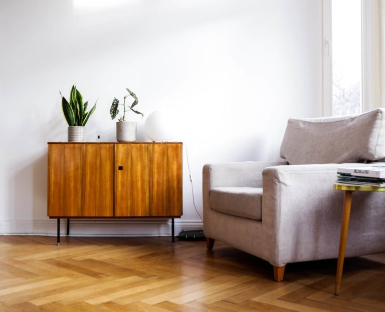 Timeless pieces you can keep in your modern living room