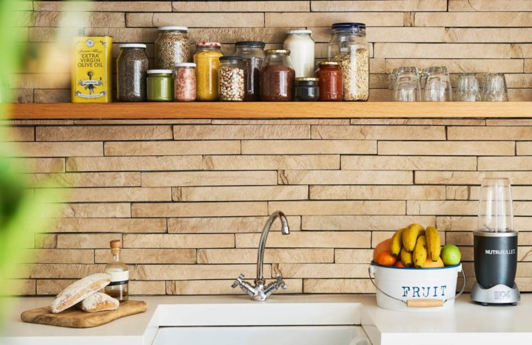 Where to put things in kitchen cabinets: storage tips for a perfect cabinet organization