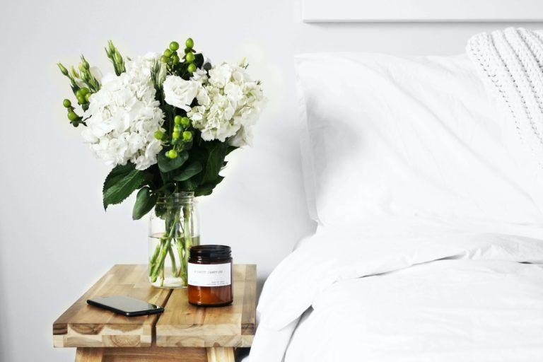 Comment intégrer des fleurs dans sa décoration intérieure: 10 idées pour un résultat fleuri